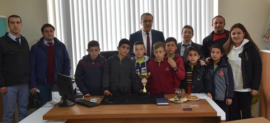2018 Yılının İlk Kupası Piyadeler Orta Okulundan
