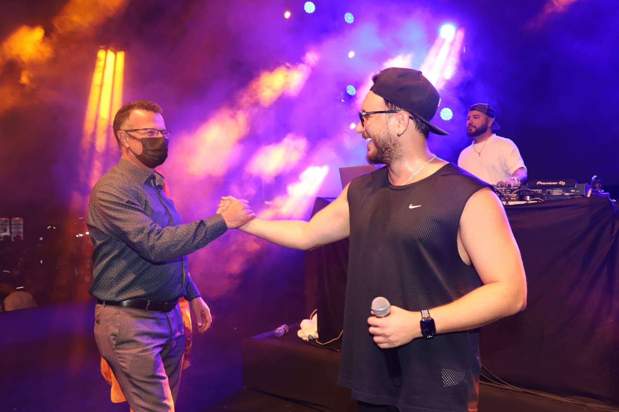 3. Alaşehir Üzüm  Festivalimiz Anıl Piyancı konseri ve Tavla Turnuvasıyla devam etti