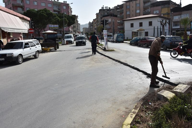 Alaşehir Belediyesi Çalışmalarına 3 Koldan Devam Ediyor
