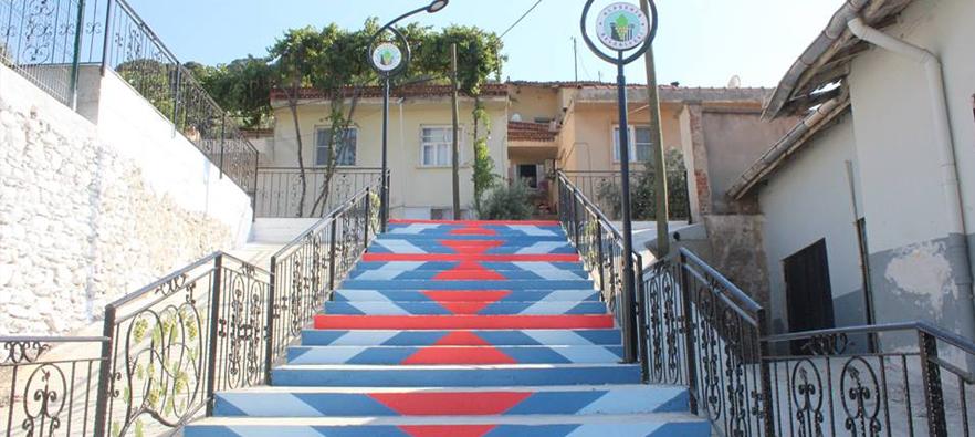 Alaşehir Belediyesi İlçemizi Güzelleştirmeye Devam Ediyor