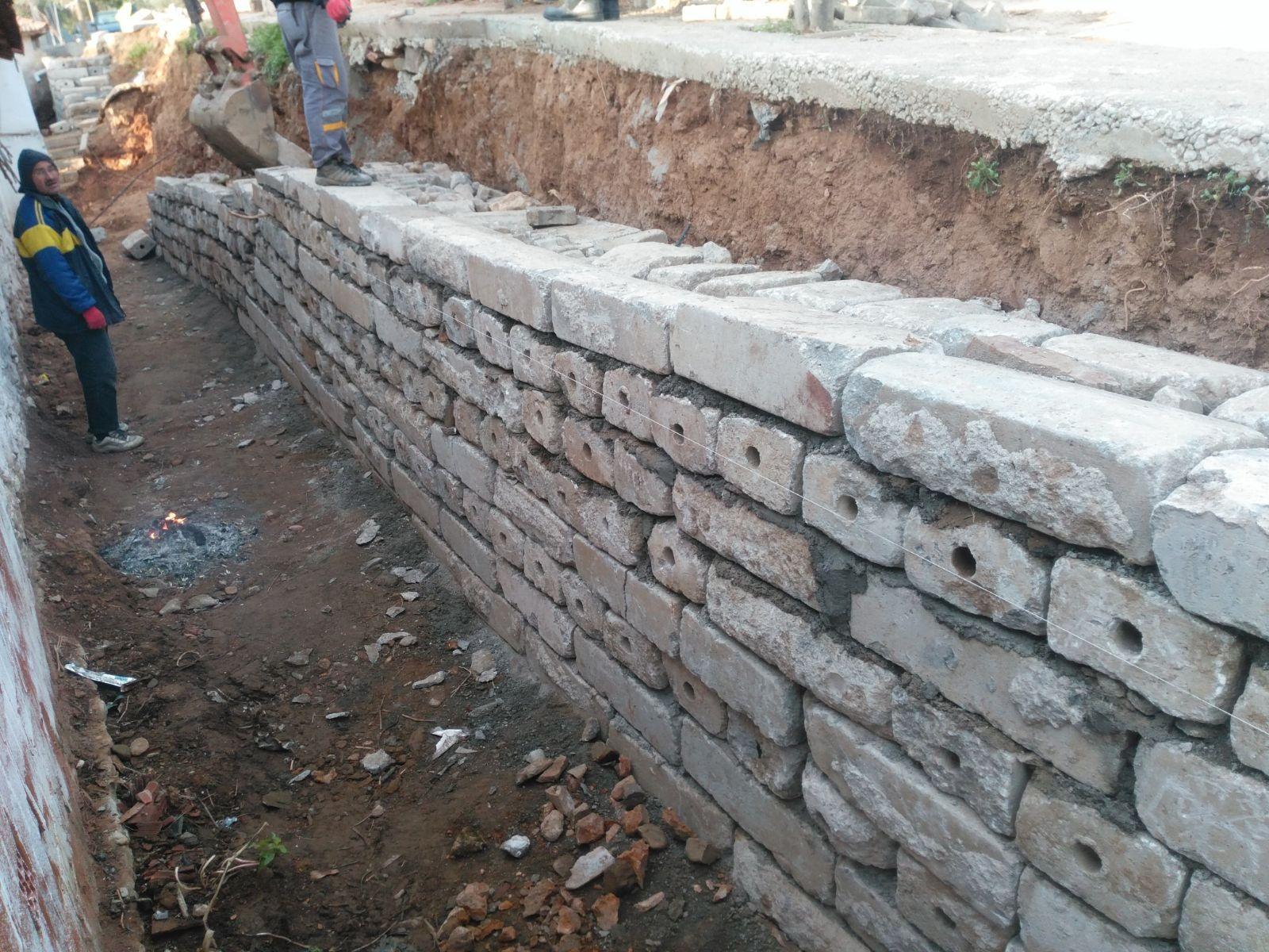 Alaşehir Belediyesi İstinat Duvar Ördü