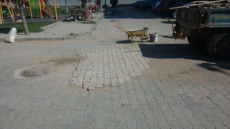 Alaşehir Belediyesi Kilit Parke Tamiratlarına Devam Ediyor