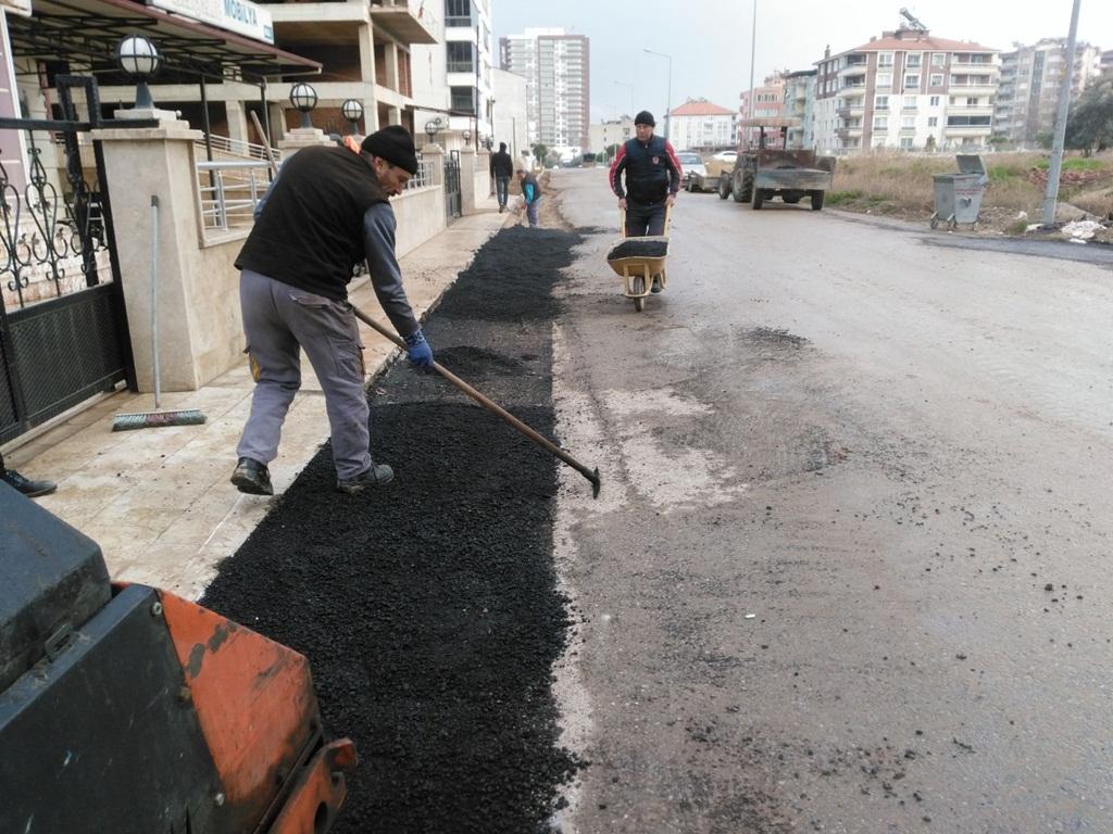 Alaşehir Belediyesinden Roadmix Yama Tamiratı