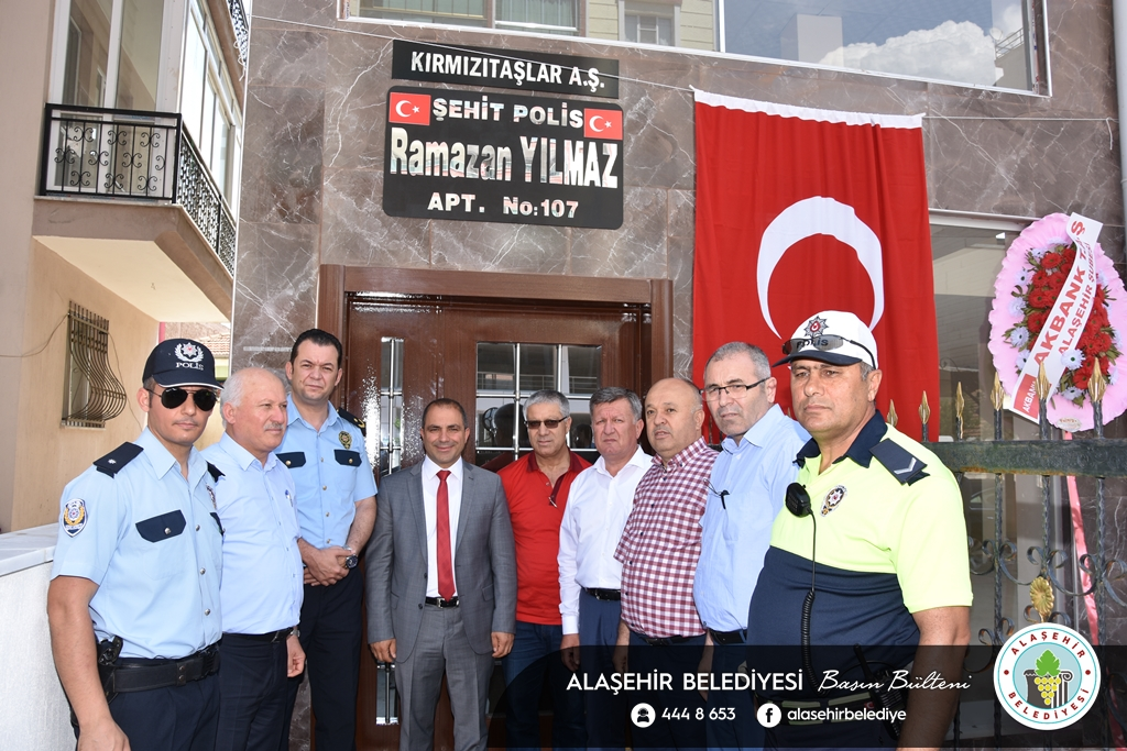 Alaşehir'de Bir Apartmana 2016 İlçemizde Şehit Düşen Malatyalı Polis Memuru Ramazan Yılmaz'ın ismi verildi.