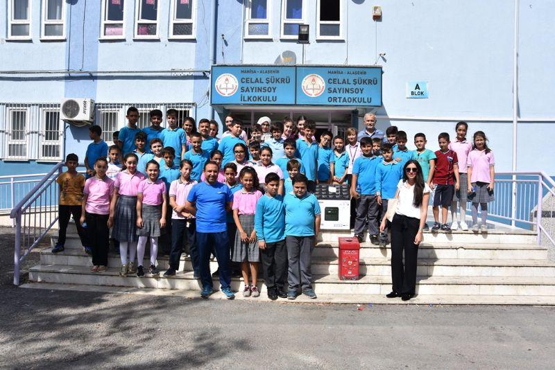 Alaşehir Belediyesinden En Çok Atık Pil Toplayan Okullara  Ödül Verildi