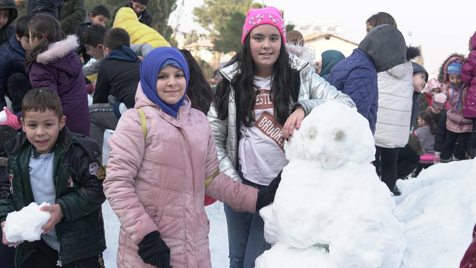 Alaşehir'de Kar Sevinci