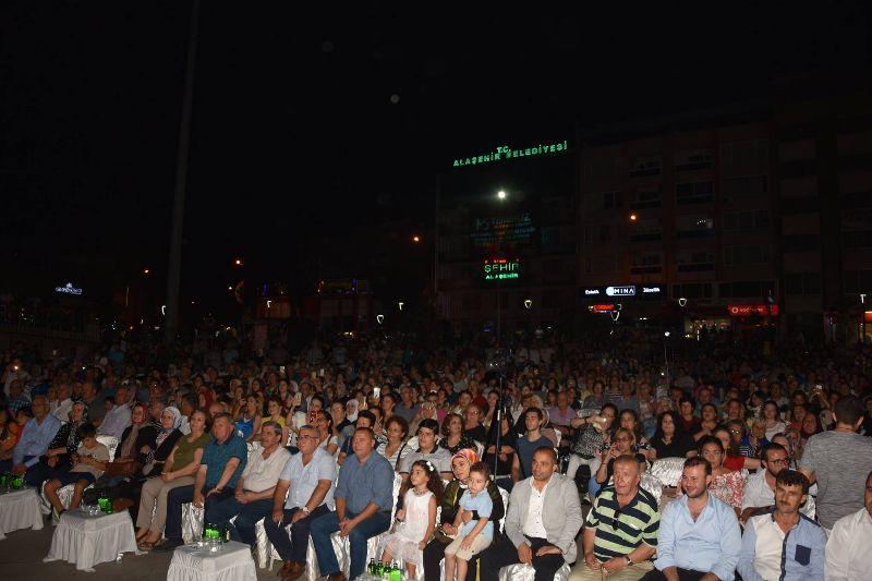 Alaşehir\'de TSM Müziği Rüzgarı Esti