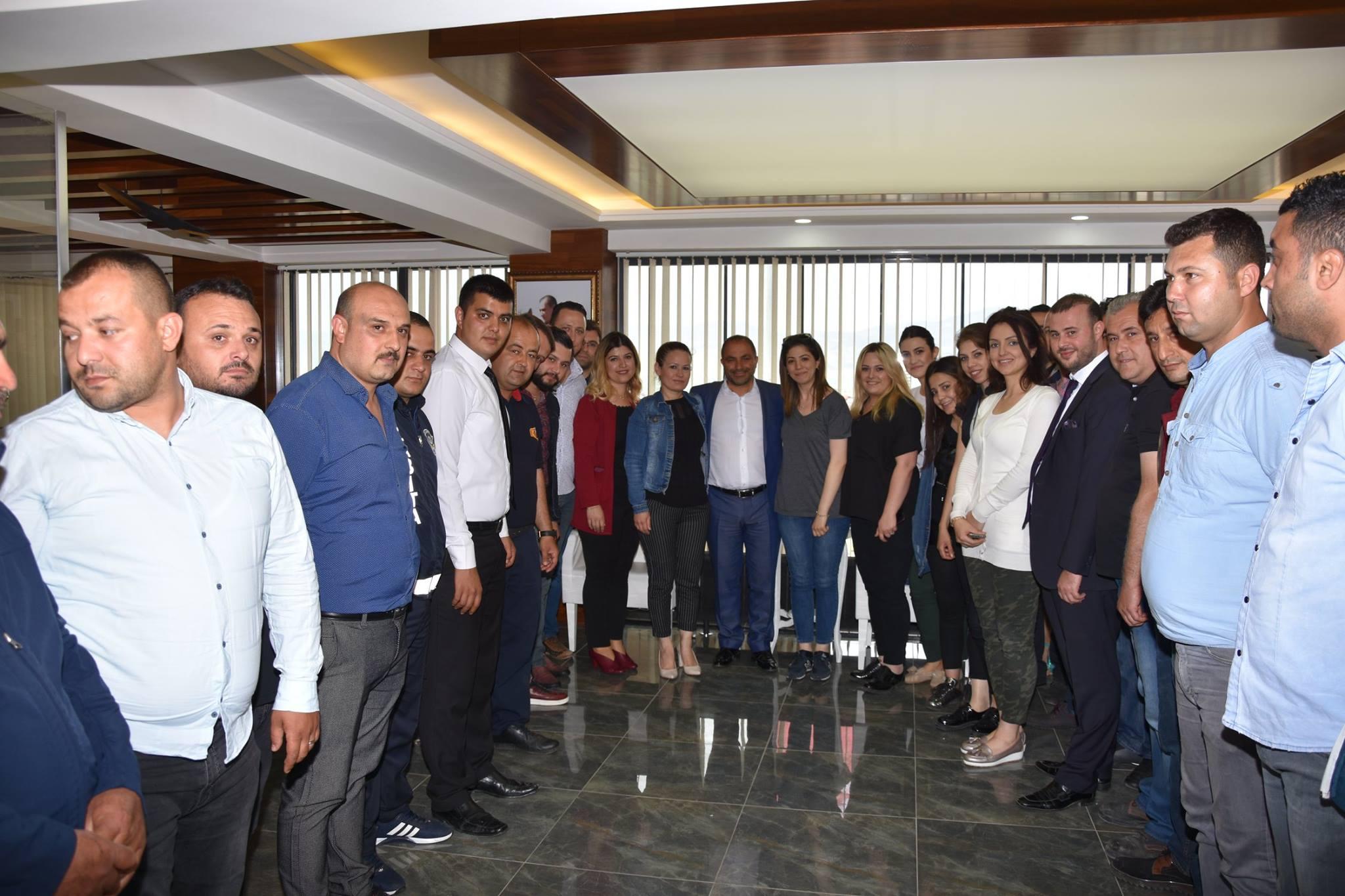 Alaşehir'li Gençler Yeni Başkan Ali Uçak'a Sahip Çıktı.