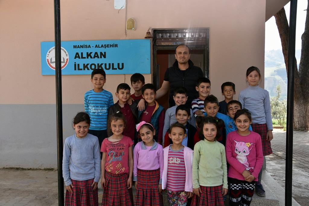 Alhan İlkokulu Öğrencilerinden Başkan Karaçoban'a Teşekkür