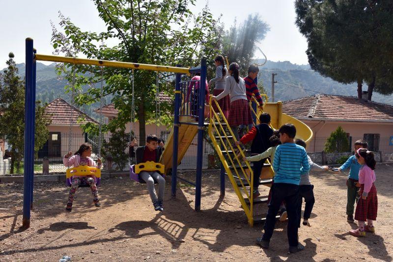Alhan İlkokulu Öğrencilerinden Başkan Karaçoban\'a Teşekkür