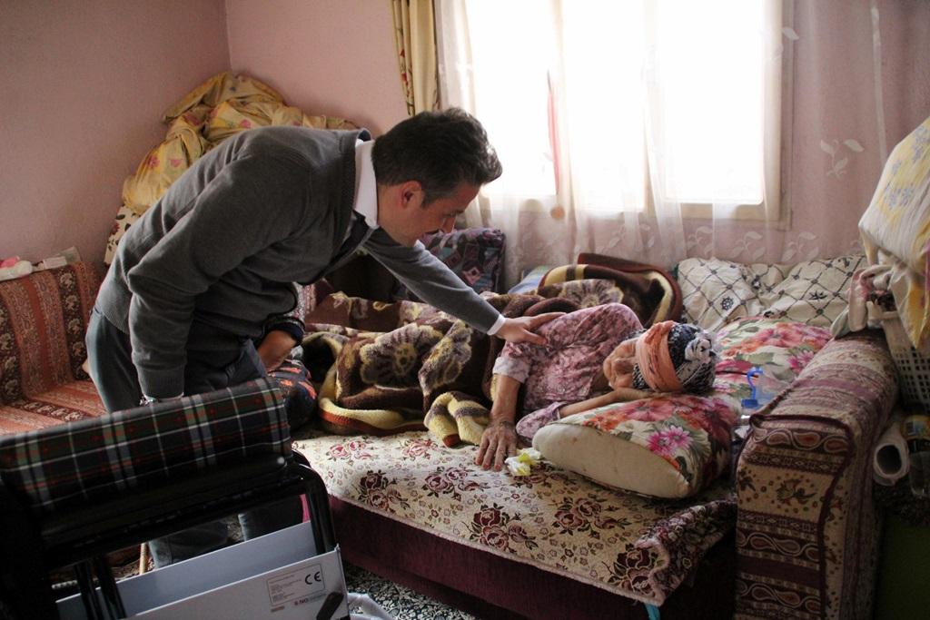Başkan Karaçoban Engelli Vatandaşımıza  Yardım Elini Uzattı