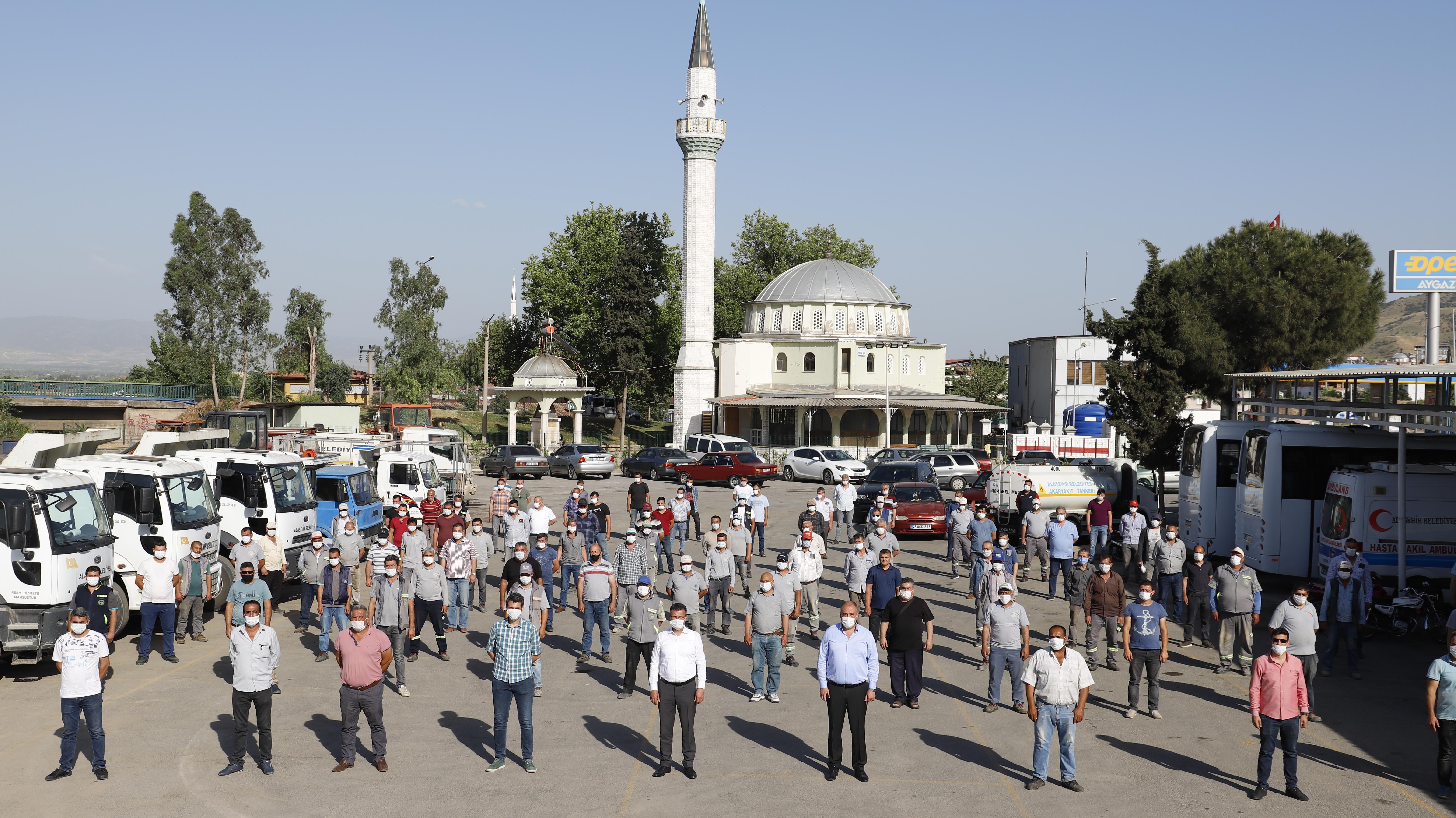 Başkan Öküzcüoğlu Personelle Bayramlaştı