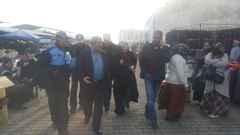 Belediye Başkanı V. Hasan Alıcı, Pazar Yerinde İncelemelerde Bulundu