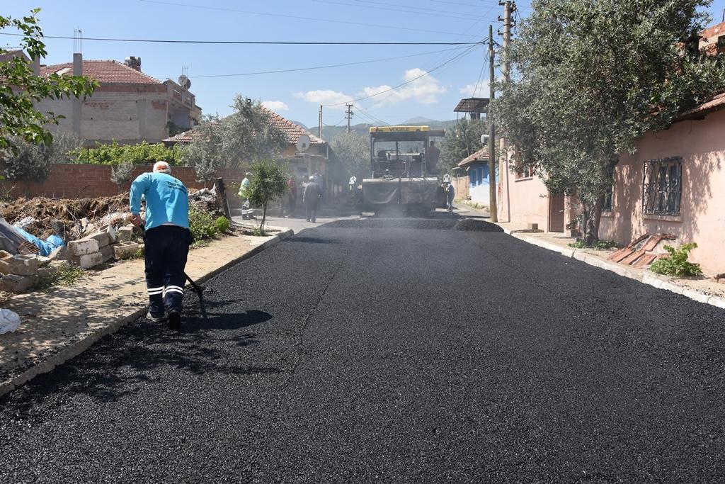 Belediye Ekipleri Asfaltlama Çalışmalarına Başladı
