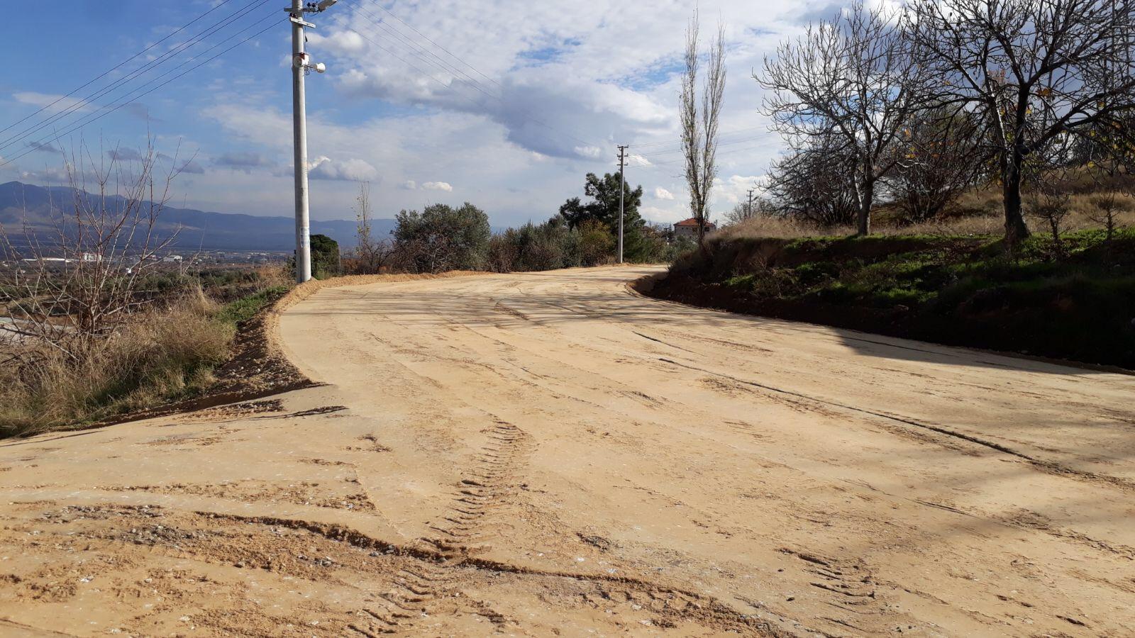 Çeşneli Mahallesinde Yol İyileştirme Çalışmaları Devam Ediyor