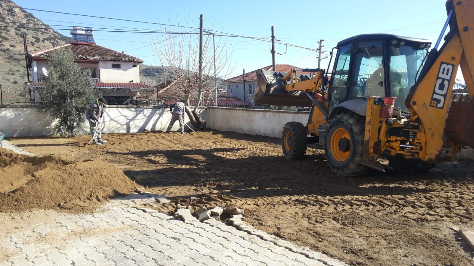 Girelli Şehit Mehmet Şimşek İlkokulu Bahçesinde Kilit Parke Taşı