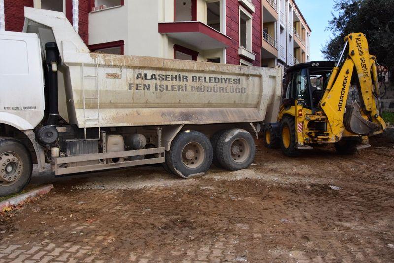 Hacıbey Mahallesinde Yeni Yol Açma Çalışmaları Devam Ediyor