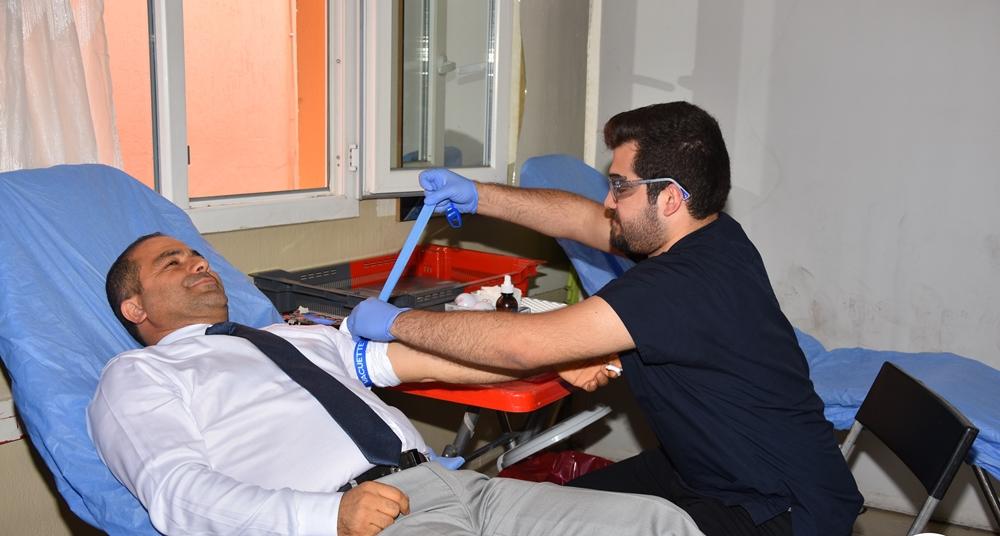 İlk kan Başkan Ali Uçak'tan