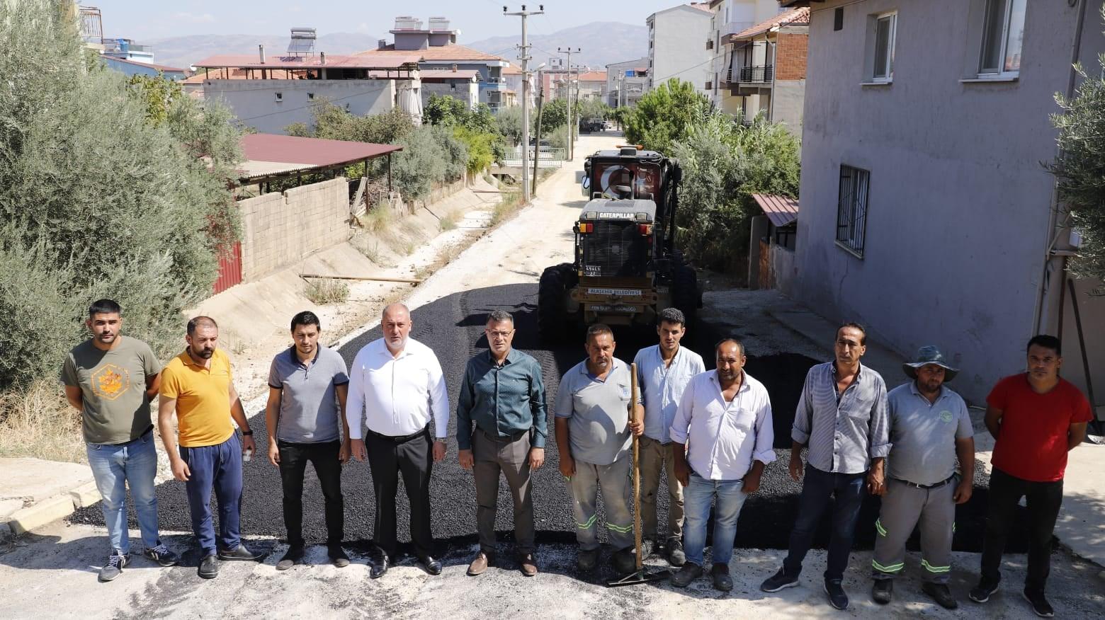 İstasyon Mahallemizdeki sıcak asfalt çalışmalarını yerinde inceliyoruz.