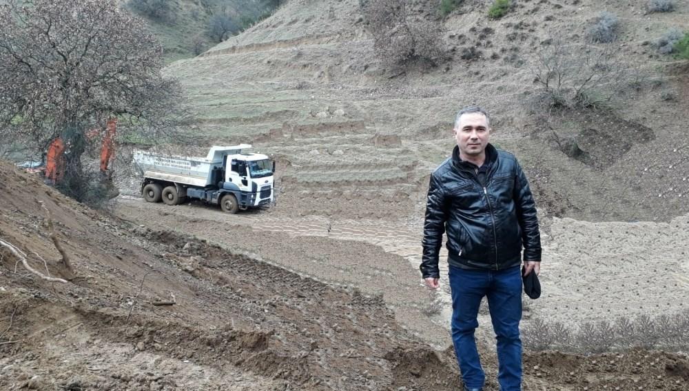 KAVAKLIDERE'DE DERE TEMİZLİK VE BAKIM ONARIM ÇALIŞMASI