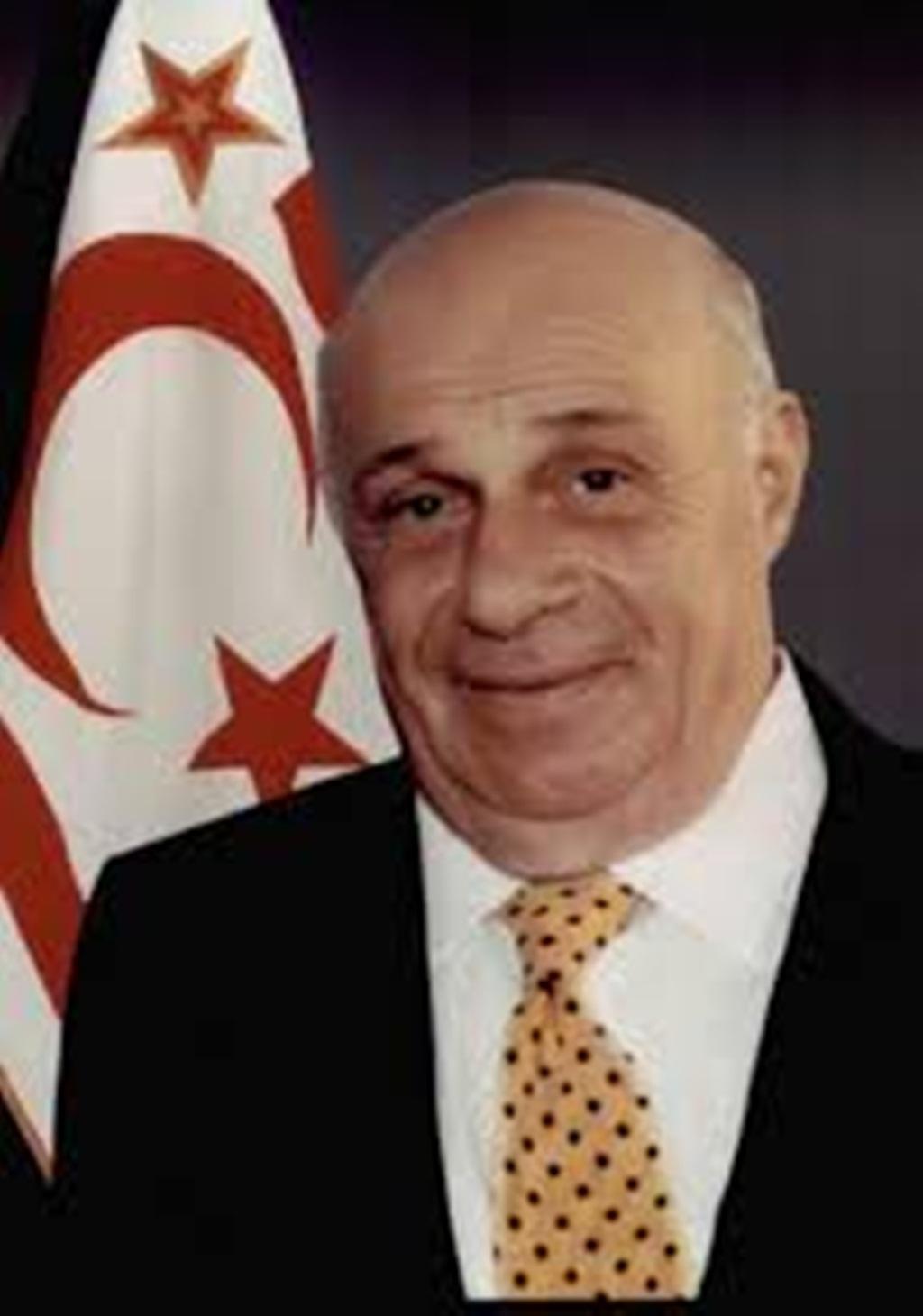 Başkan Karaçoban Rauf Denktaş\'ı ve Dr. Fazıl Küçük\'ü Unutmadı
