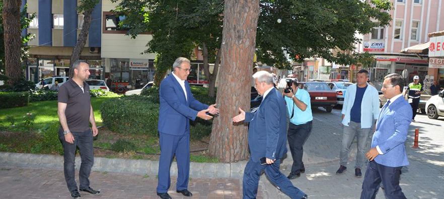 Manisa Valisi Mustafa Hakan Güvencer'den Başkan Karaçoban'a Taziye Ziyareti