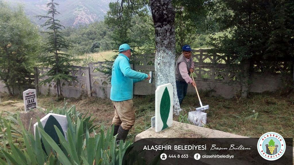 Mezarlıklarda Ramazan Bayramı Hazırlığı