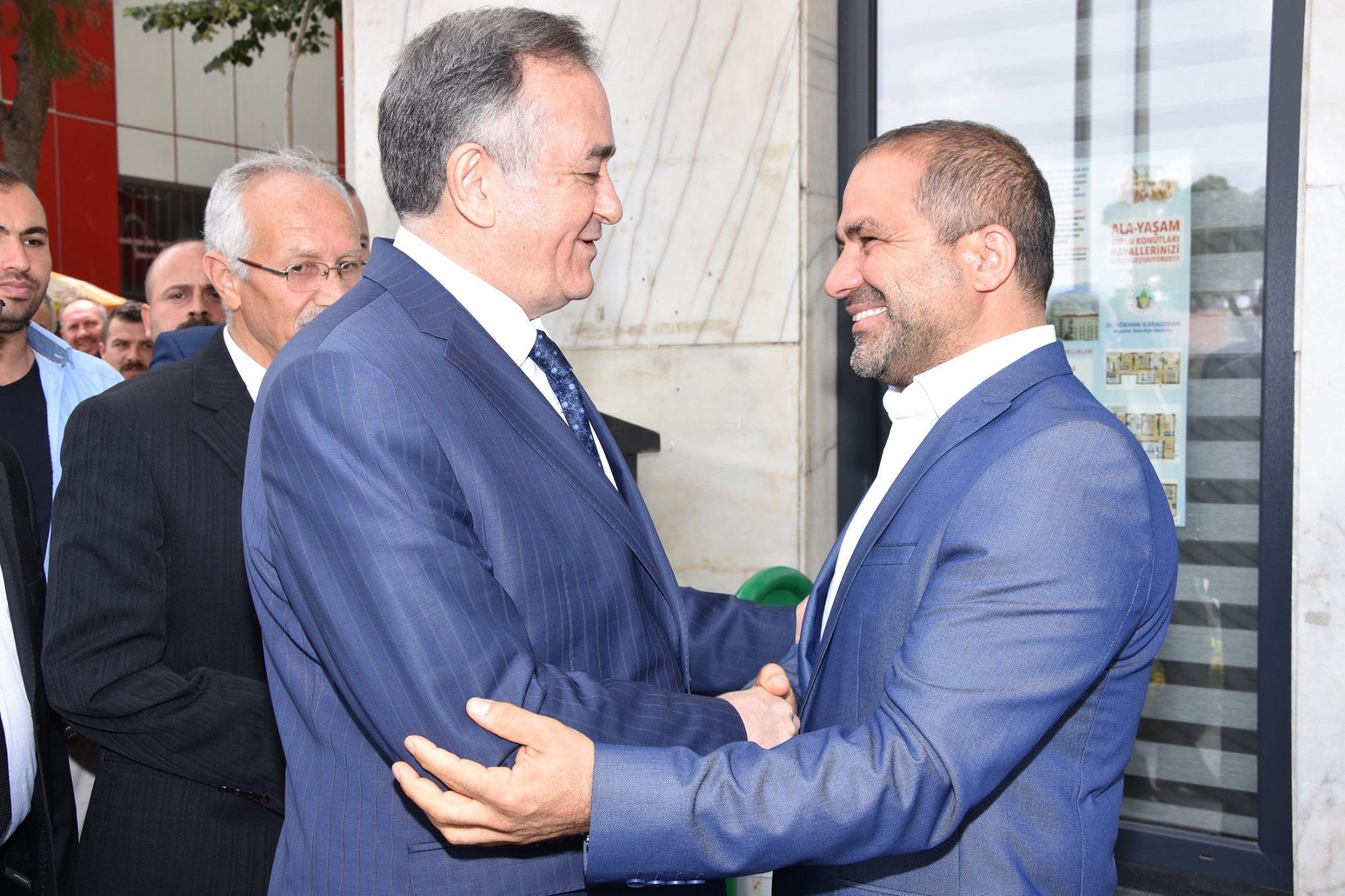 MHP Grup Başkan Vekili Syn. Erkan Akçay Başkan Uçak'a hayırlı olsun ziyaretin de bulundu.