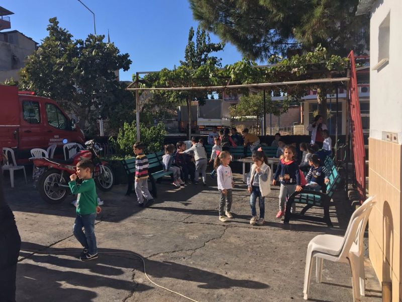 Minik Öğrenciler İtfaiye Binasını Ziyaret Etti