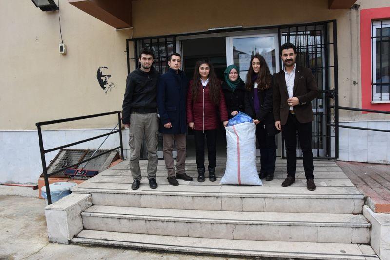 Öğrencilerden Bir Kapak Bir Can Kampanyasına Destek