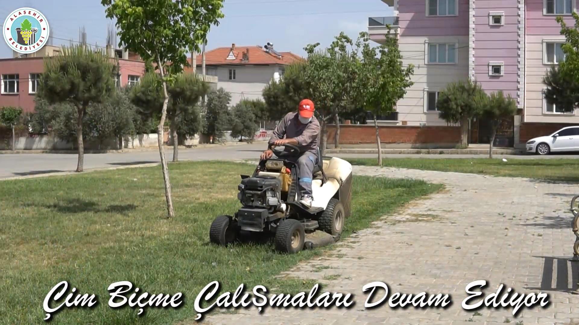 Park ve Bahçeler Müdürlüğü Ekiplerimiz Çalışmalarına Tüm Hızıyla Devam Ediyor.