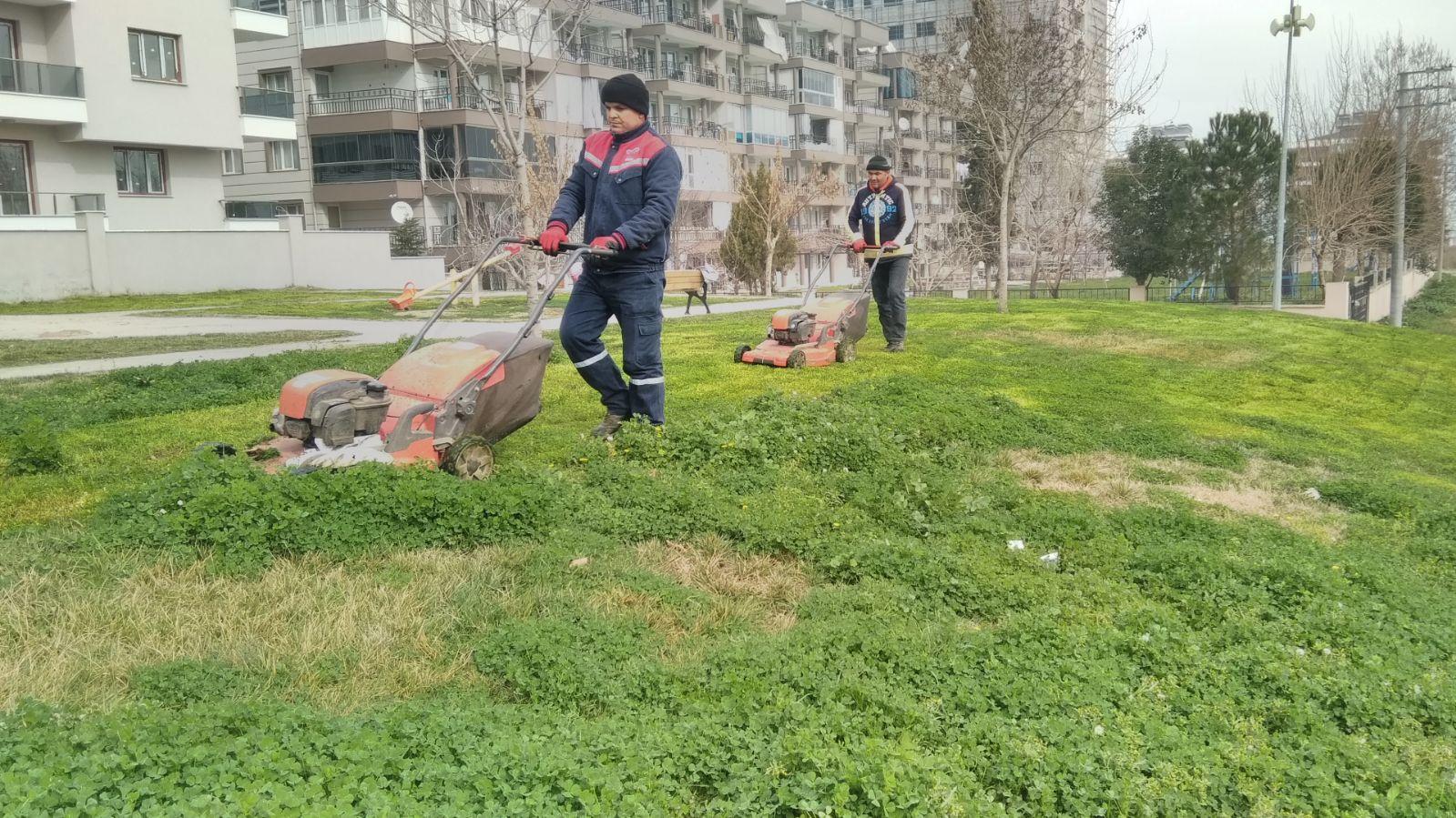 Park ve Bahçeler Müdürlüğünden Yoğun Mesai