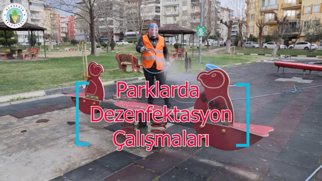 Park ve Bahçeler Müdürlüğüne bağlı ekiplerimizin bir bölümü, çocuk oyun parklarında dezenfeksiyon işlemlerini belli aralıklarla sürdürüyor.