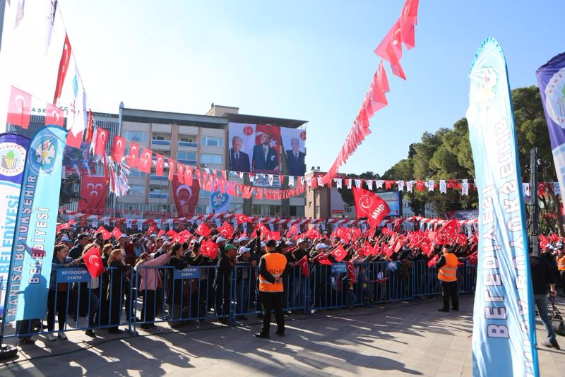 Türkmen Bey\'İ Devlet Bahçeli Alaşehirimizde