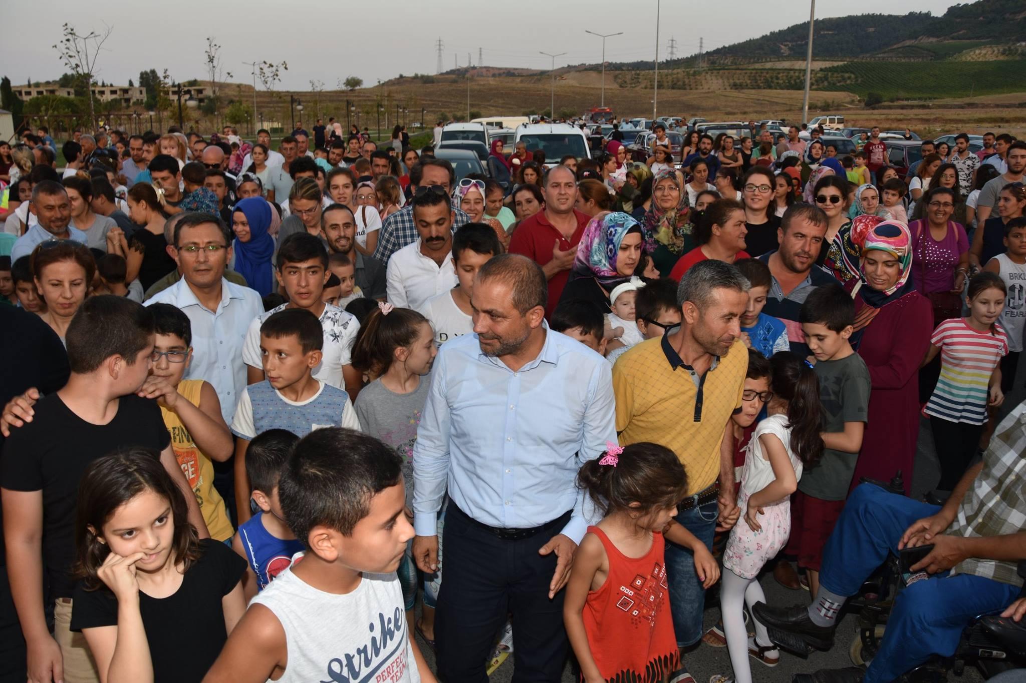 Uçurtma Şenliğimizde, yüzlerce çocuğumuz katıldı