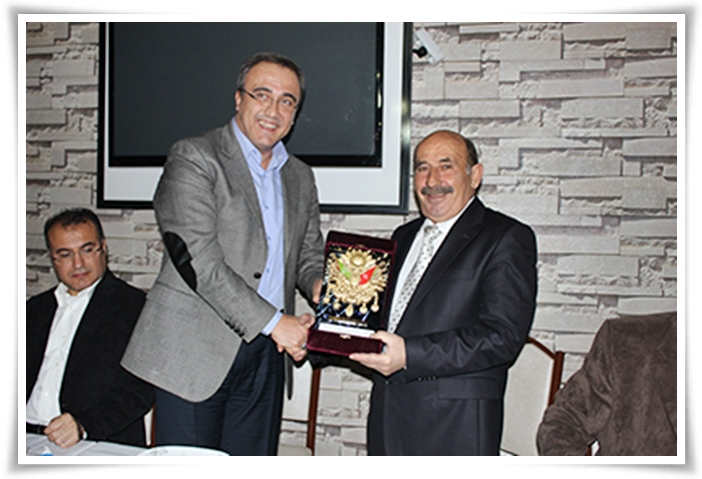 """Alaşehir'in """"MÜDÜR BABASI"""" Emekli Oldu"""